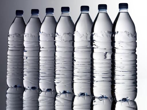 Bottled water (1/2 L)